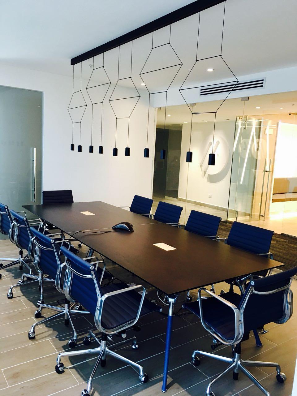 Codutti Mobili Ufficio.Panama Showroom Arredamento Per Ufficio Moderno Codutti