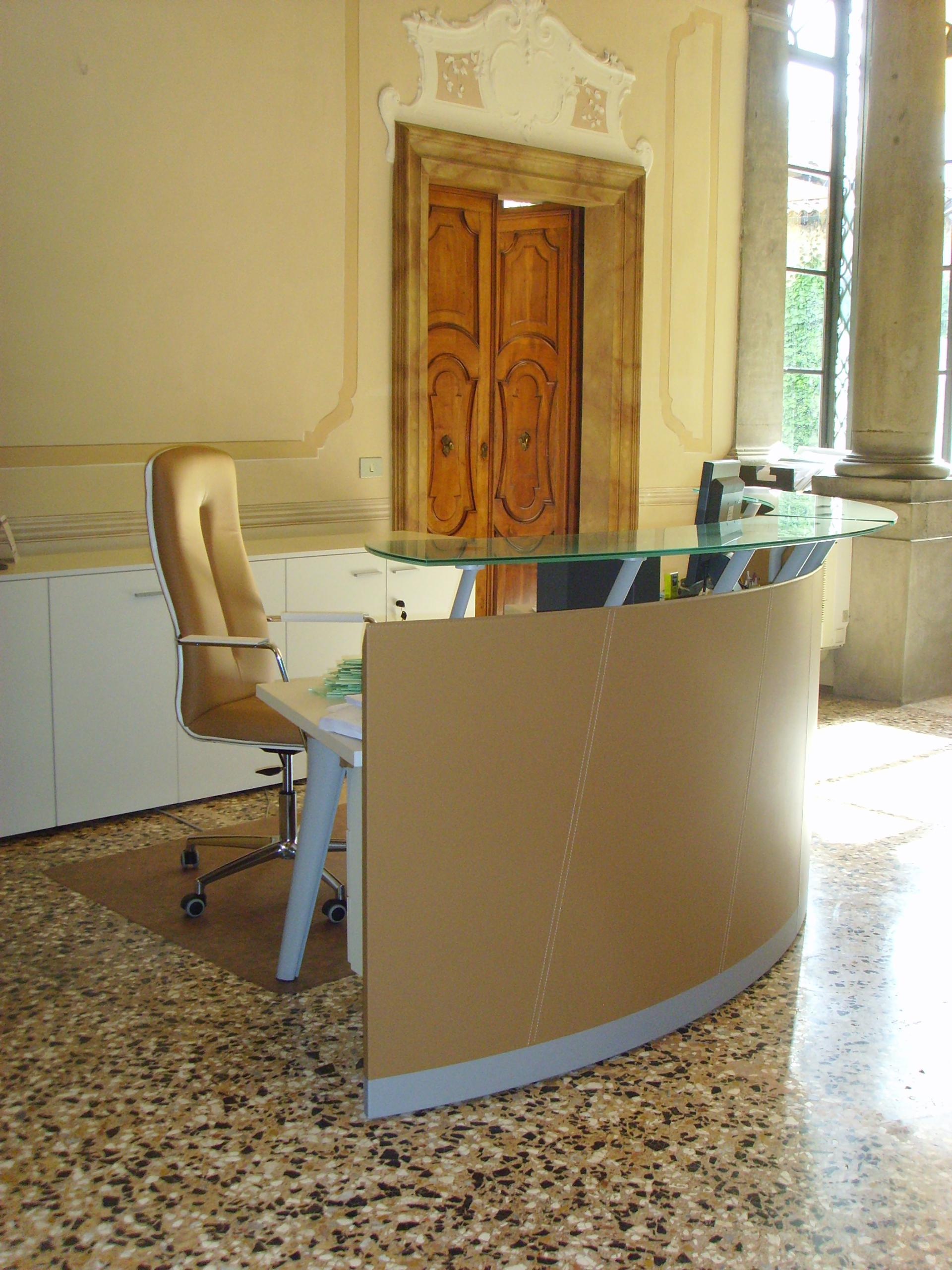 Mobili Per Ufficio Udine.Italy Udine Studio De Marco Arredamento Per Ufficio Moderno